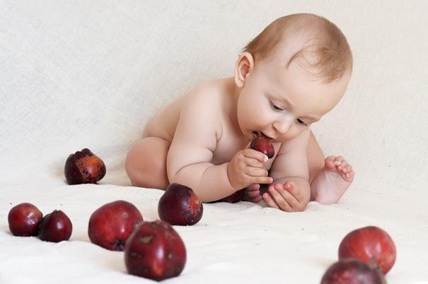 Réaliser des prises de vues exceptionnelles d'un nouveau-né avec un photographe de maternité