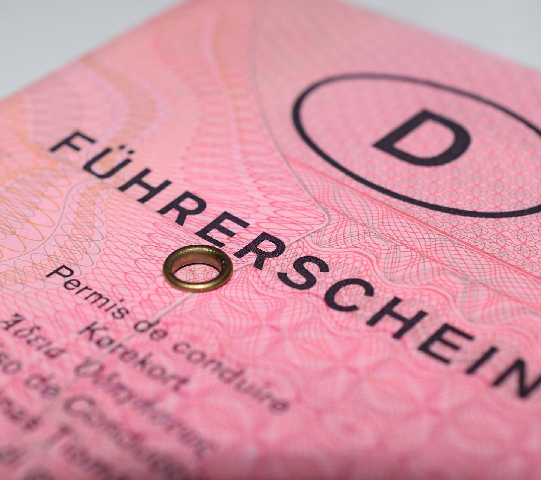 Voici combien coûte l'obtention d'un permis de conduire dans 20 pays différents à travers le monde !