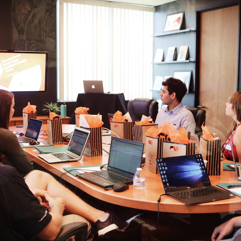 Comment organiser une réunion de conseil d'administration réussie