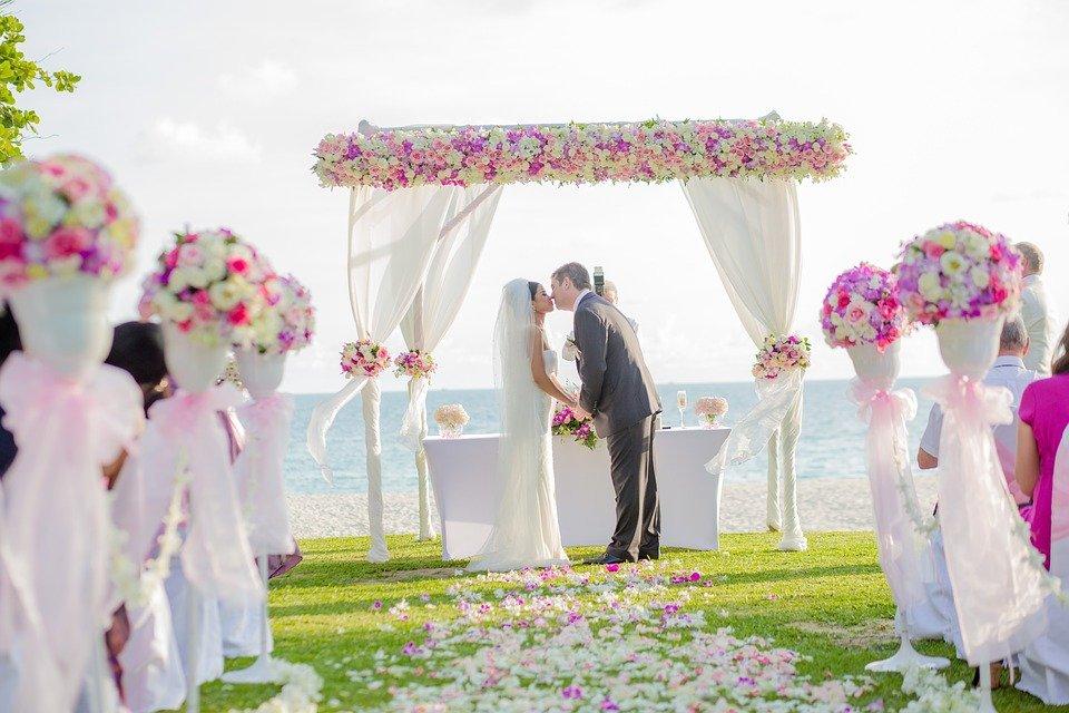 Conseils pratiques pour bien gérer son budget de mariage à l'étranger